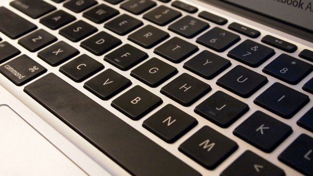 Backlit keyboard expected to make triumphant return to MacBook Air