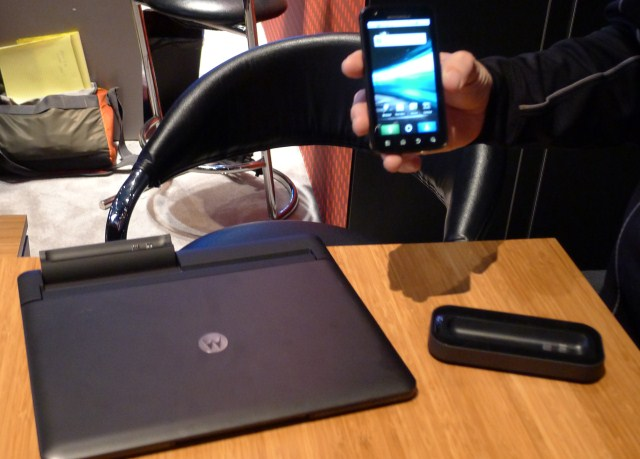 Motorola Atrix 4G + laptop dock $500 with contract, hits March 6