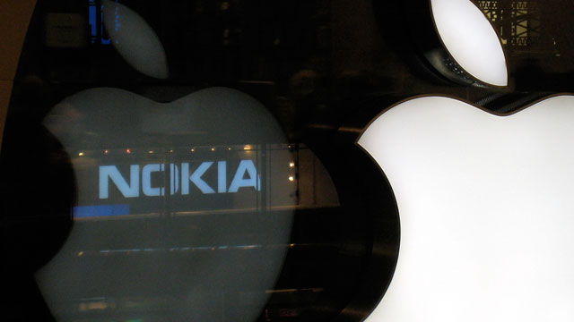 Nokia buries patent hatchet with Apple to help fund WP7 switch
