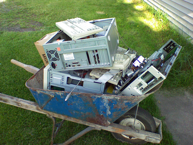 Congress looks to tackle abusive e-waste exporting