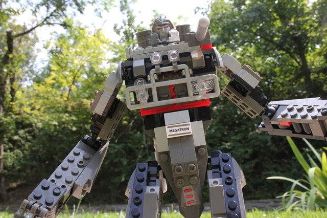 Playing with Hasbro's Kre-O Transformer kits: don't call them Lego
