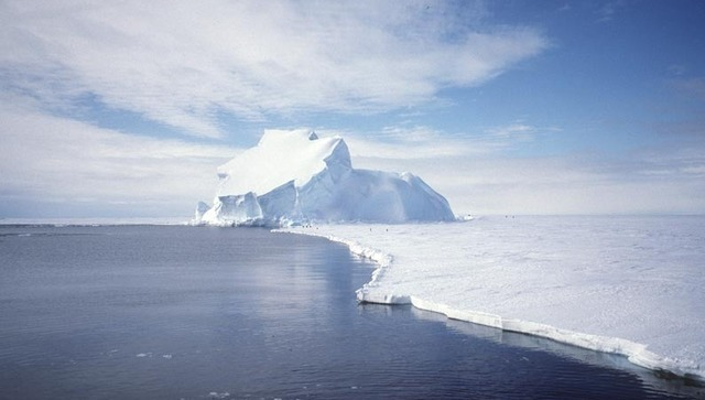 Data shows past ice shelf collapses linked to warmer ocean water