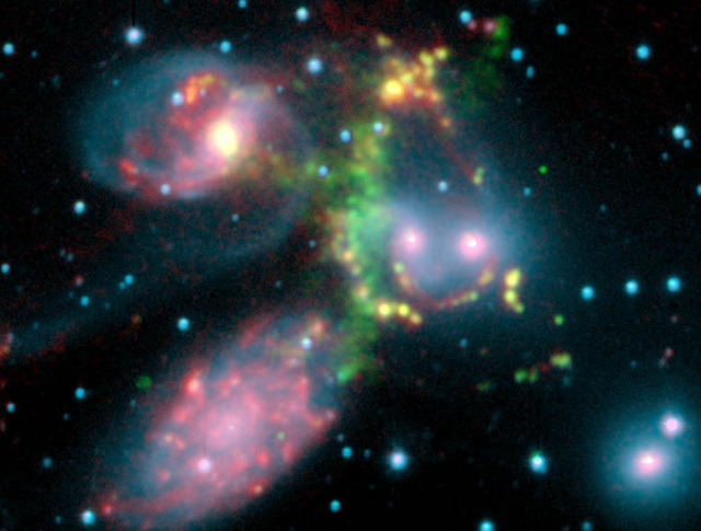 Galaxy clusters back Einstein, leave Newton's descendants in the cold