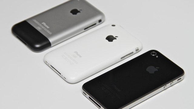 iPhone 4 demand remains strong while anticipation for iPhone 5 grows