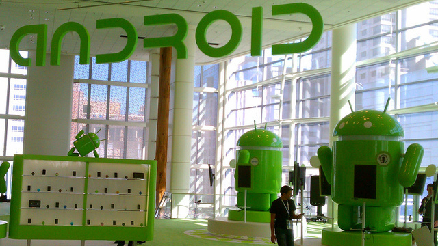 Microsoft collects license fees on 50% of Android devices, tells Google to