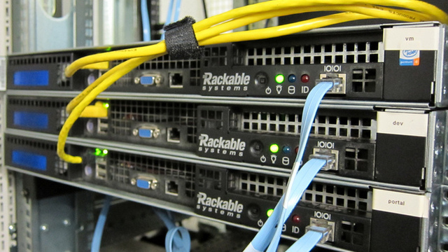 Facebook friends open source hardware for data centers