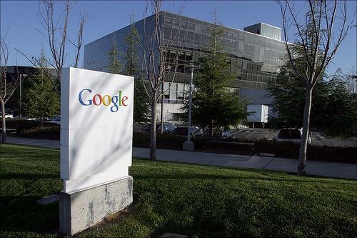 Google gets second shot at federal cloud contract, faces uphill fight