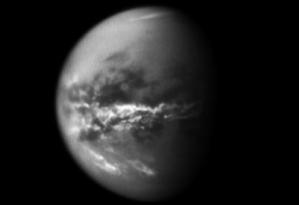 Figuring out why most of Titan's methane lakes have northern exposures