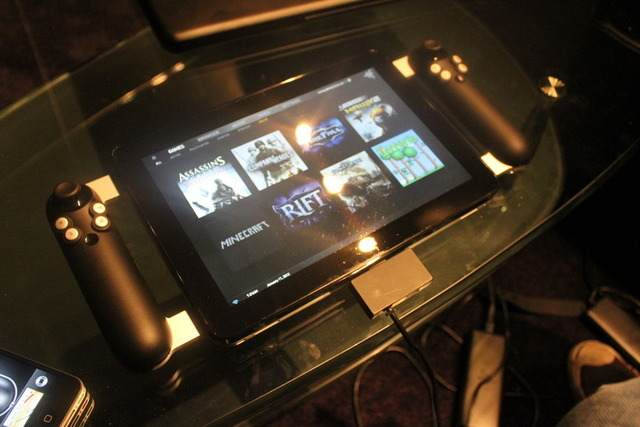 Razer's Fiona prototype eventually become the Razer Edge gaming tablet.