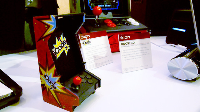 Ion's iCade Jr is a miniature version of the iCade retro arcade cabinet for iPhone and iPod touch.