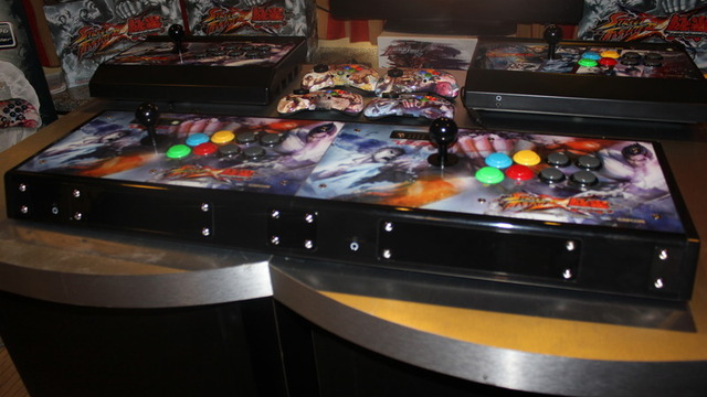 Arcade sticks get social with linkable Street Fighter X Tekken controllers