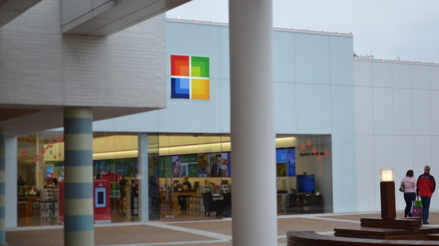 Microsoft reports record second quarter earnings amid Windows decline