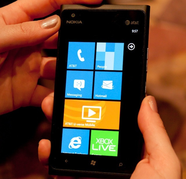 At $99.99, Nokia Lumia 900 priced to move for April 8 launch