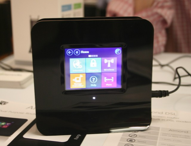 Securifi's Almond router simplifies administration with a built-in touchscreen
