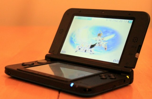 Review: Nintendo's 3DS XL expands the system's screen, and its appeal
