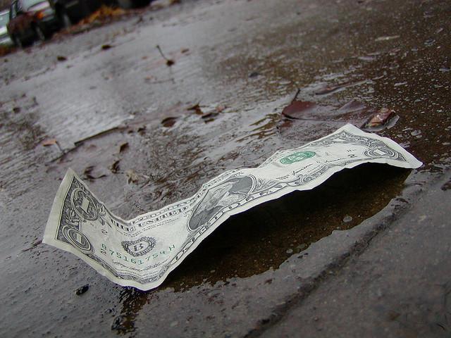 Bills, bills, bills: manage your accounts like a real pro