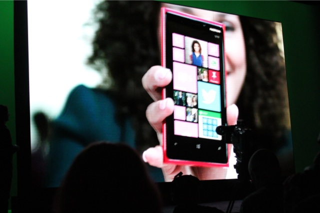 New Windows Phone 8 OS packs in social, personalization features