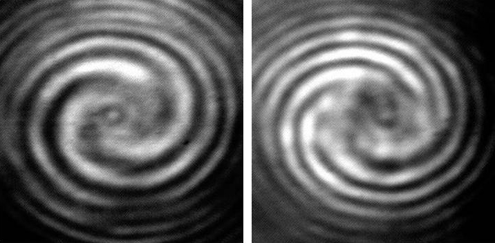 Spiral patterns produced by the ring-shaped chamber. The different direction of twisting depends on the polarization of the original light.