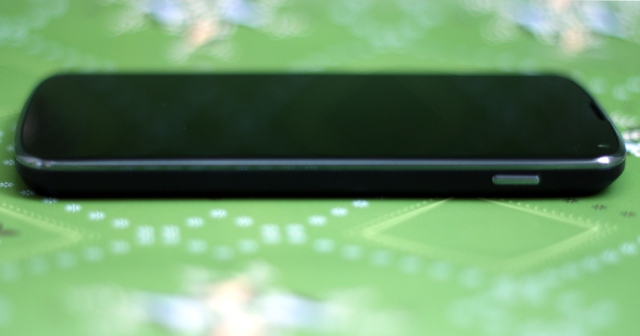 The Nexus 4 has smooth edges and is covered in Corning's Gorilla Glass 2.