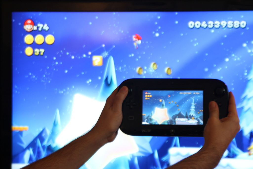 In <em>New Super Mario Bros. U</em>, there's next to no lag between the TV scene and the identical GamePad scene. The image quality on the smaller screen is no slouch either.