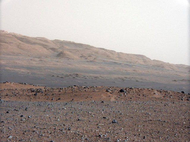 The view to the south-southwest of the Curiosity landing site.