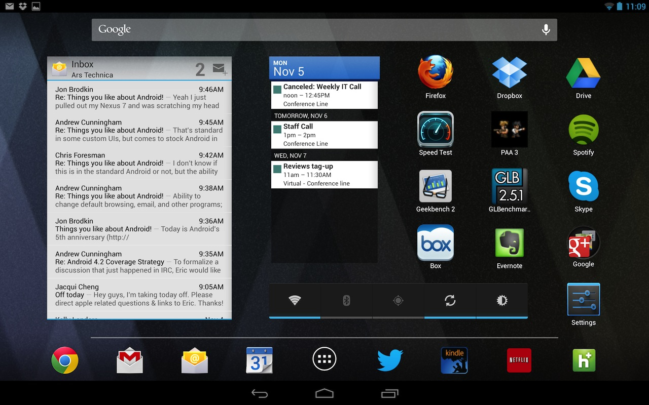 "The Nexus 10 in landscape mode, populated with widgets and icons. Note that the ""dock"" is across the bottom of the screen in this mode, reflecting widescreen tablets' tendency to be used primarily in landscape mode."
