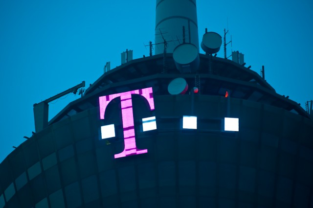 In risky move, T-Mobile to eliminate mobile handset subsidies entirely