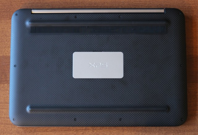 The bottom of the laptop uses the same texture, which is slightly grippy and easy to hold when in tablet mode.