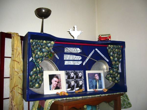 """Sing your life"" with this shrine to Morrissey"