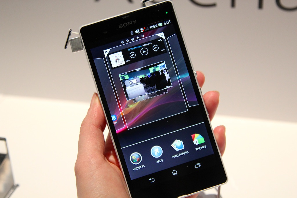 Xperia Zl Hands-on with the Sony...