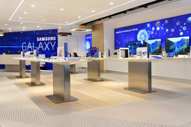 This Samsung store that opened in Australia last year bears a striking resemblance to Apple's store designs.