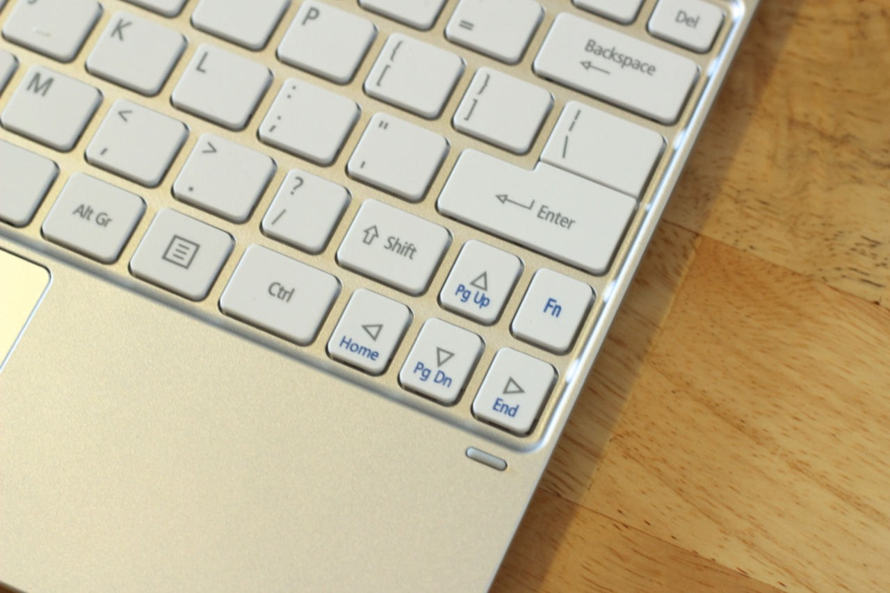 The W510's keyboard uses a not-quite-full-size layout that squeezes some keys horizontally, making for a typing experience that's distinctly netbook-esque.