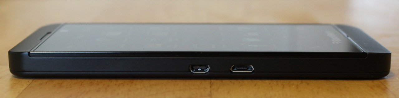 A microUSB port and micoHDMI port can be found on the left edge of the phone.