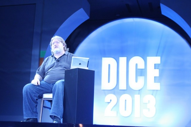 Valve's Gabe Newell foresees living room PCs, inter-game marketplaces