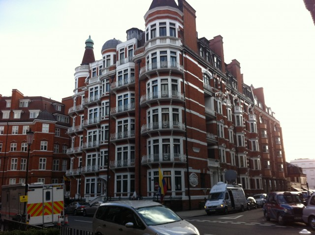 Flat 3b, 3 Hans Crescent is the address of the Embassy of Ecuador in London.