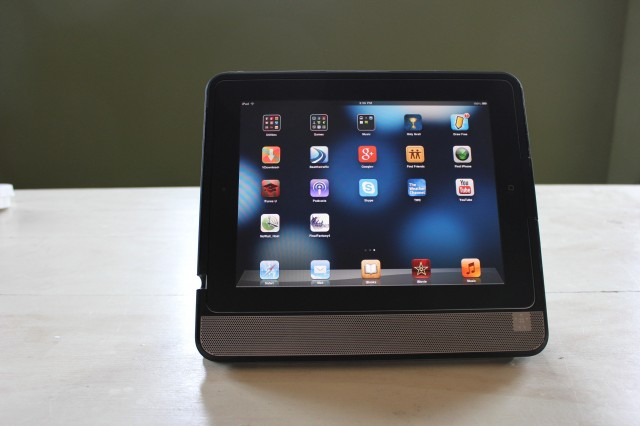 Review: Thunderstorm iPad speaker-case is a boombox for the digital era
