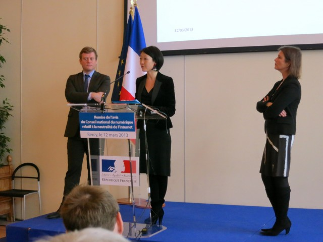 France's Minister of the Digital Economy, Fleur Pellerin, (center) formally accepted the 67-page report on Tuesday.
