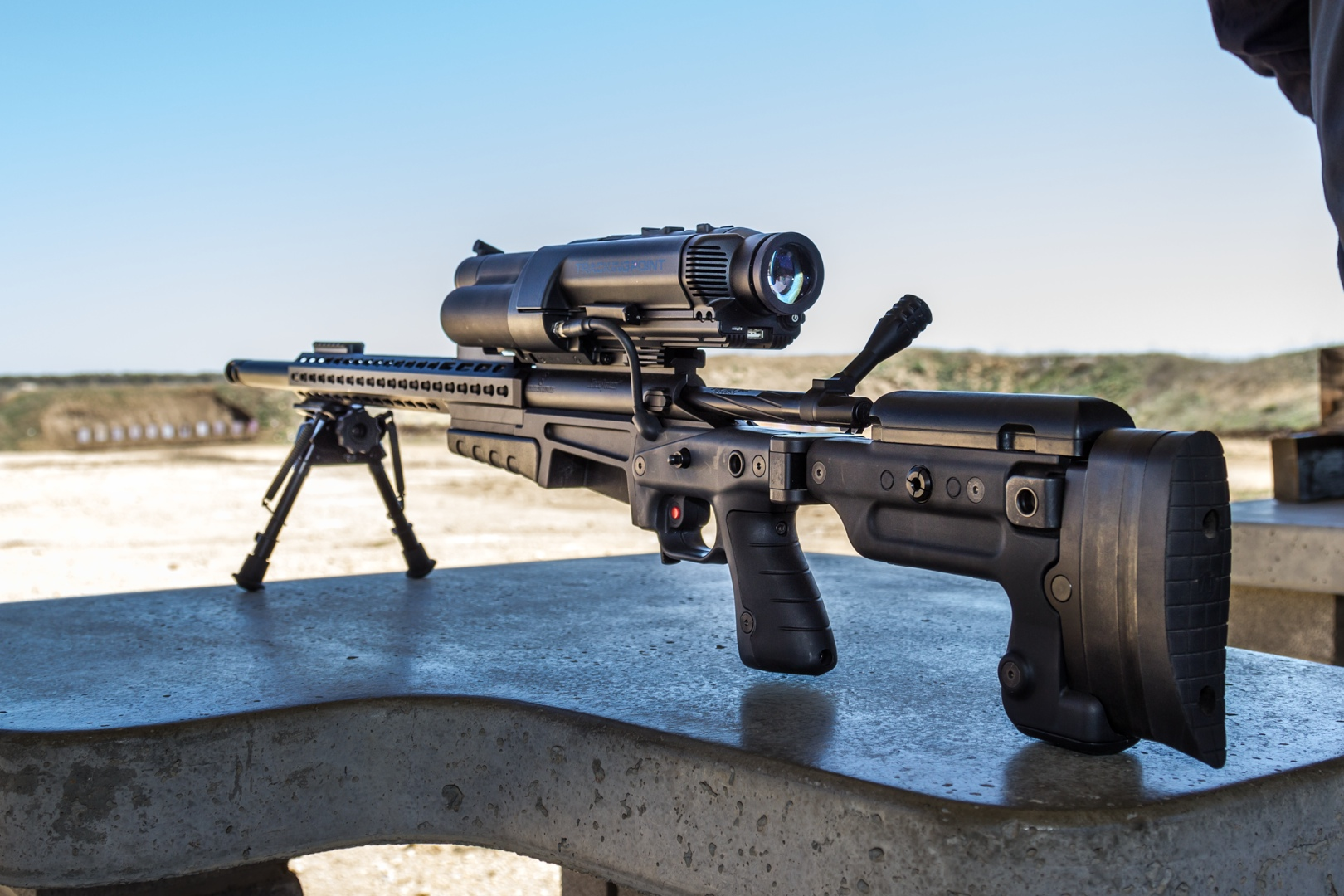 1 000 yards shooting the 17 000 linux powered rifle ars technica