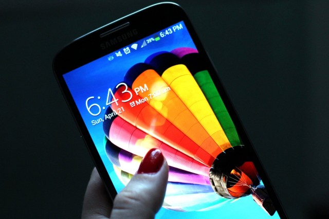 The Galaxy S 4's display is a sizable step forward for PenTile AMOLED, according to DisplayMate's Raymond Soneira.