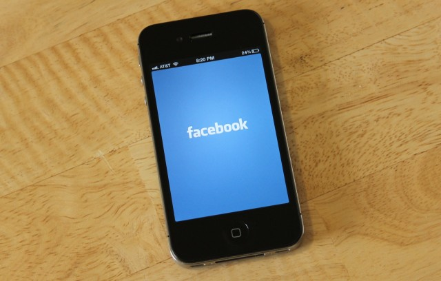 Unless Apple changes its rules, Facebook won't have a Home on iOS