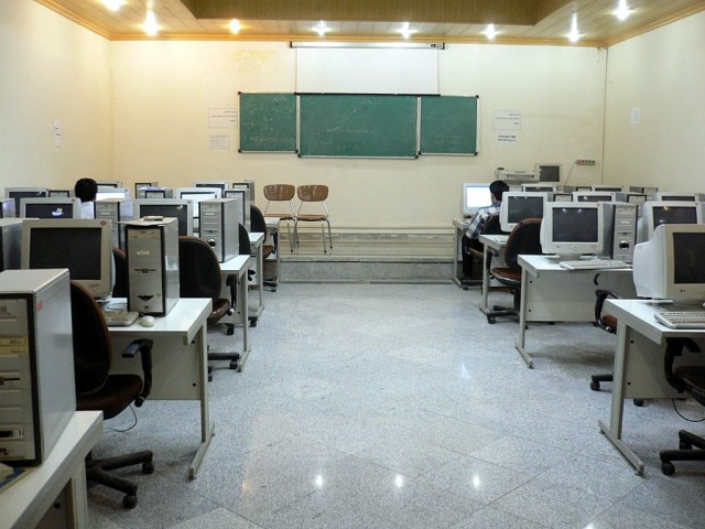 With the lifting of tech sanctions, this Tehran university computer lab just might be upgraded.