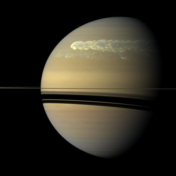 Cassini captures gigantic hurricane on Saturn in exquisite detail