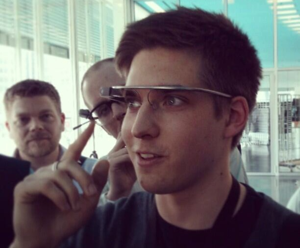 Wyoming lawmaker wants to ban Google Glass when behind the wheel