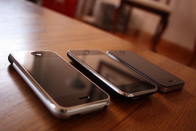 Old iPhones, banned in the US? Could happen, as Samsung strikes ...