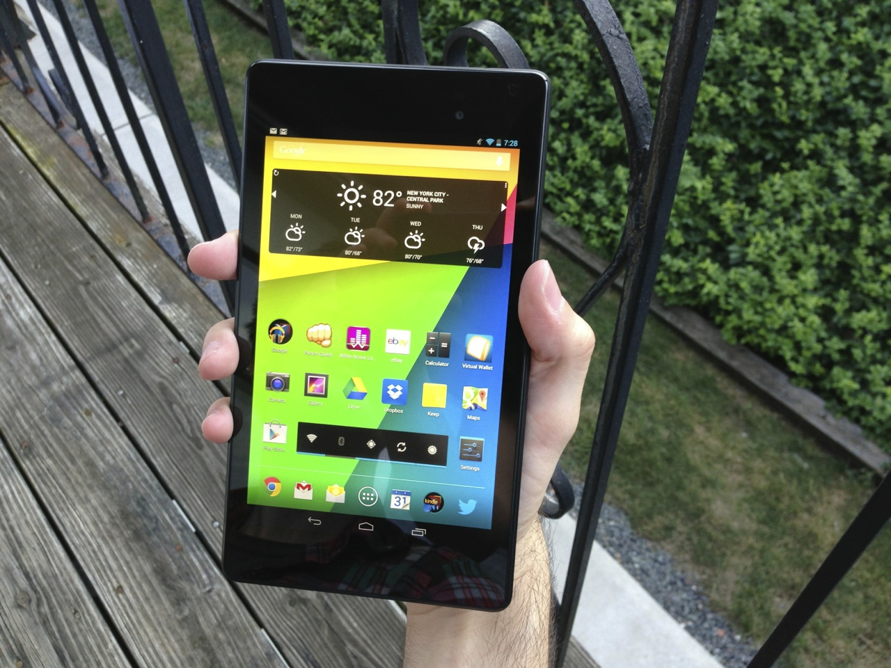 Even in my relatively large hands, I couldn't hold the old Nexus 7 like this without straining.