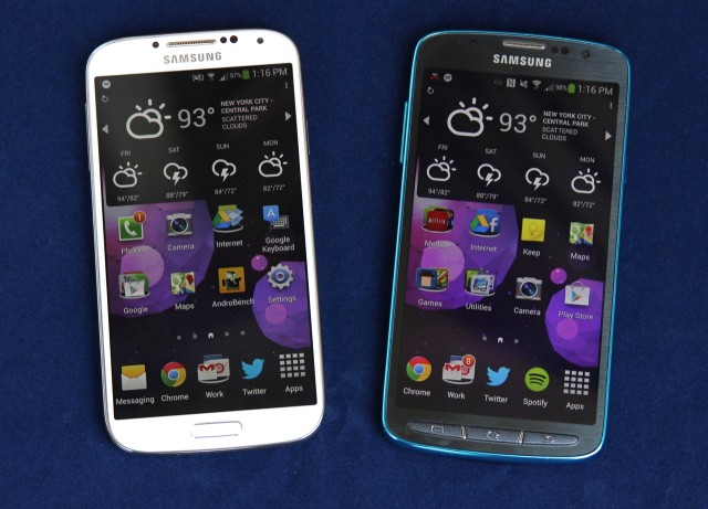The Galaxy S 4 Active (right) is a Galaxy S 4 (left) variant we can actually recommend.