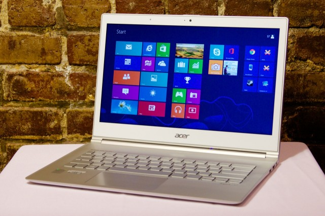 Acer's refreshed Aspire S7 rights some (but not all) of the first version's wrongs.