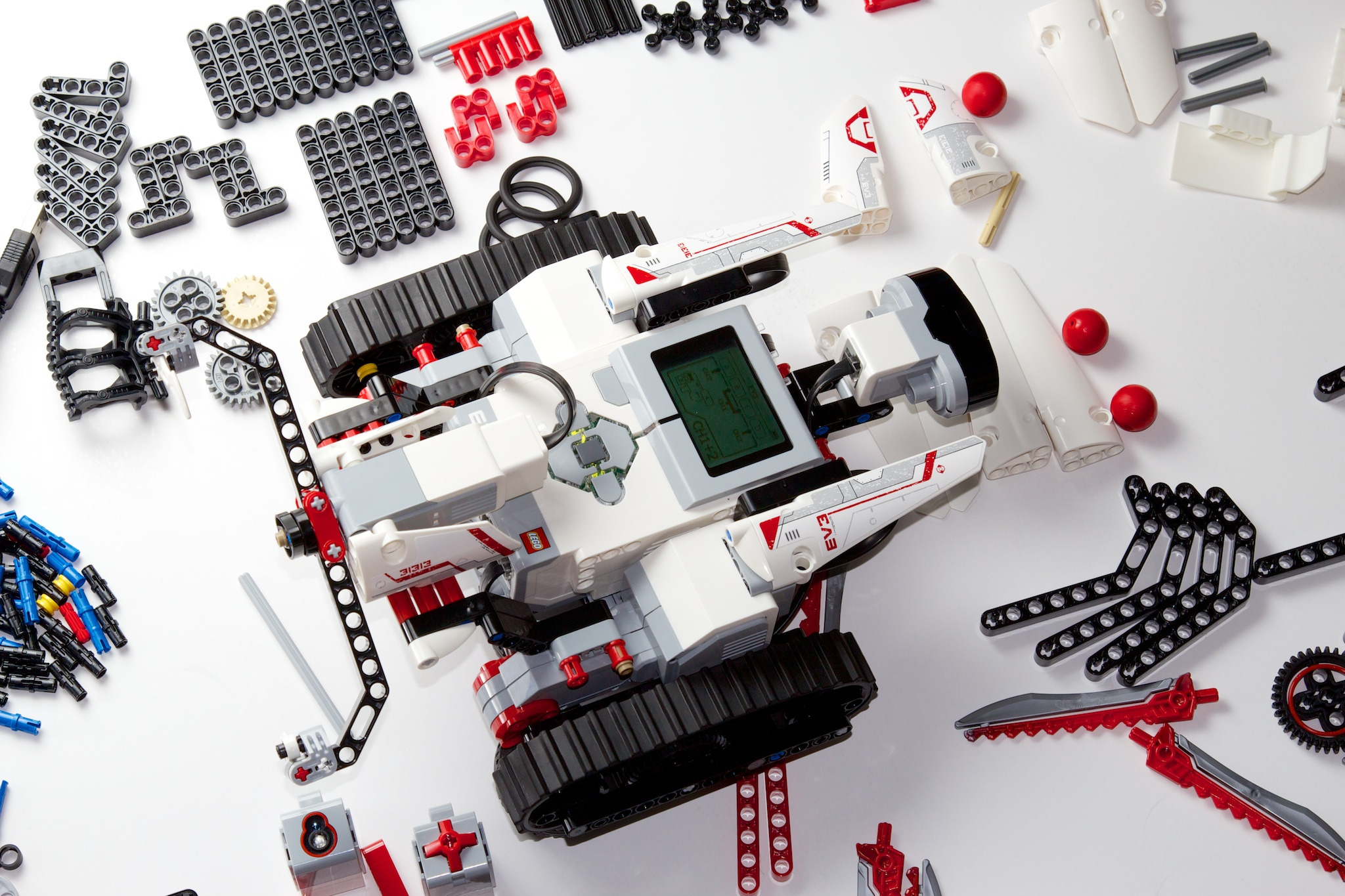 Review: Lego Mindstorms EV3 means giant robots, powerful