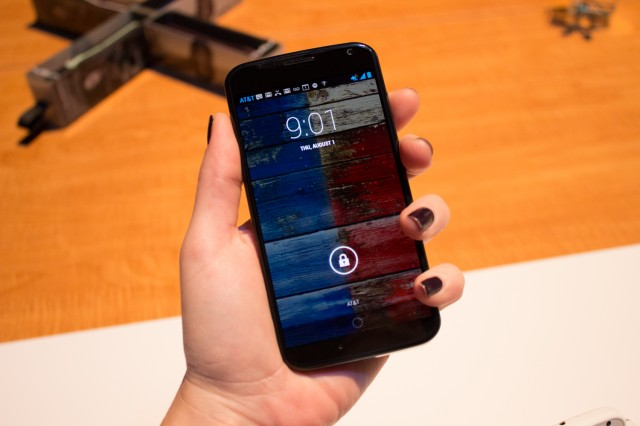 Low-cost Republic Wireless slides into 2013 with $299 Moto X