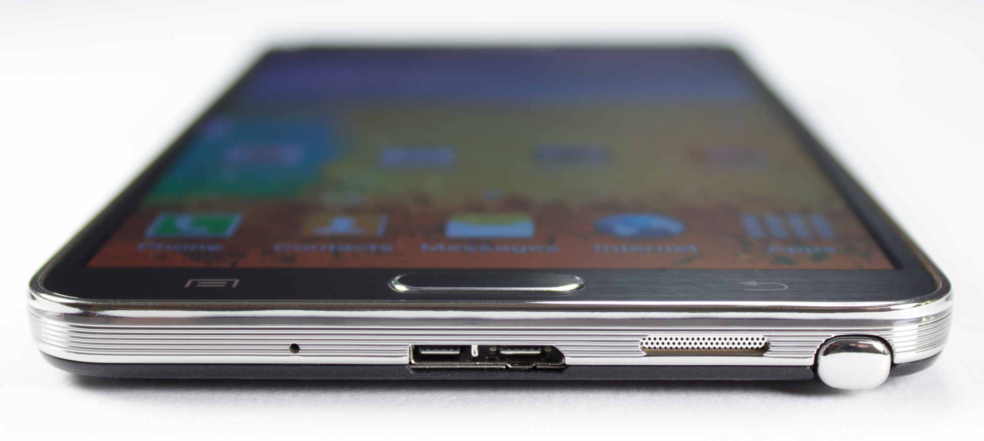 Review: The Galaxy Note 3 is big—and it pulls some benchmark